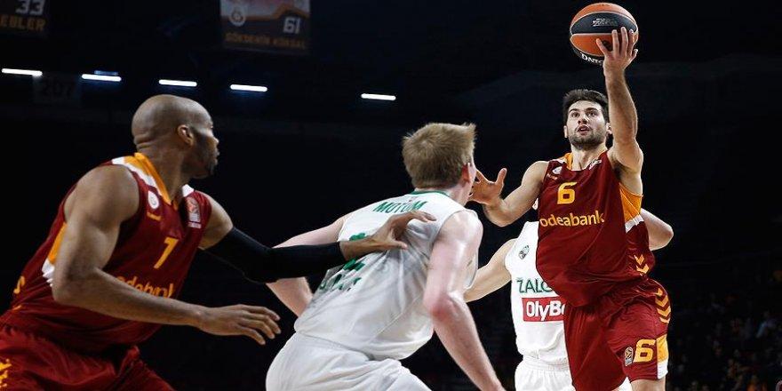 Galatasaray evinde Zalgiris'i yendi