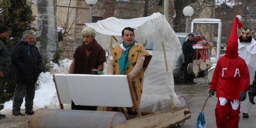 Makedonya'da 'renkli' Vevçani Karnavalı