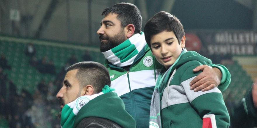 Fethi Sekin'in oğlu Arena'da ağırlandı