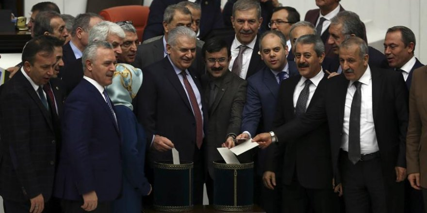Anayasa değişikliği teklifinin 16. maddesi kabul edildi