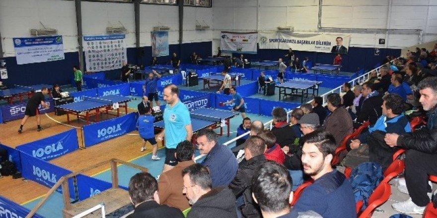 12. Veteran Masa Tenisi Turnuvası Kızılcahamam'da başladı