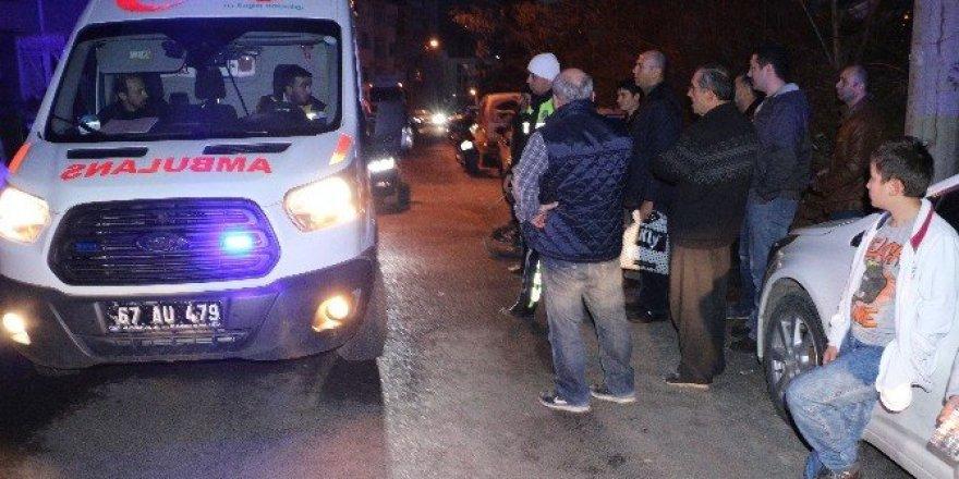Kaza sonrası gözyaşlarına boğulan sürücüyü polis sakinleştirdi