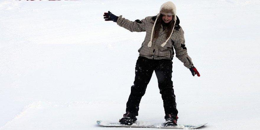 Ilgaz kayak tesislerinde kar mutluluğu