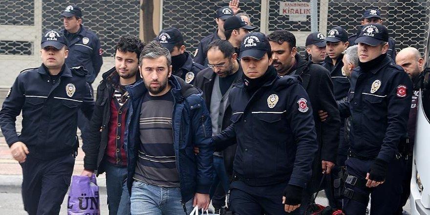 Mersin'de 18 emniyet mensubu FETÖ'den tutuklandı
