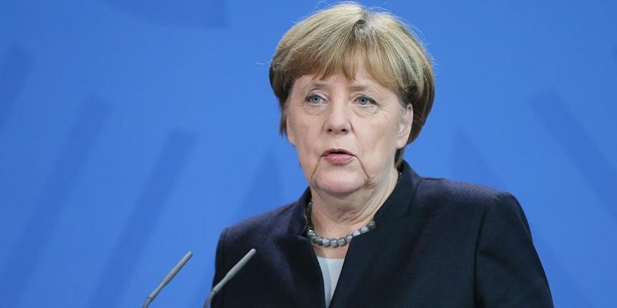 Merkel plans to visit Turkey next month