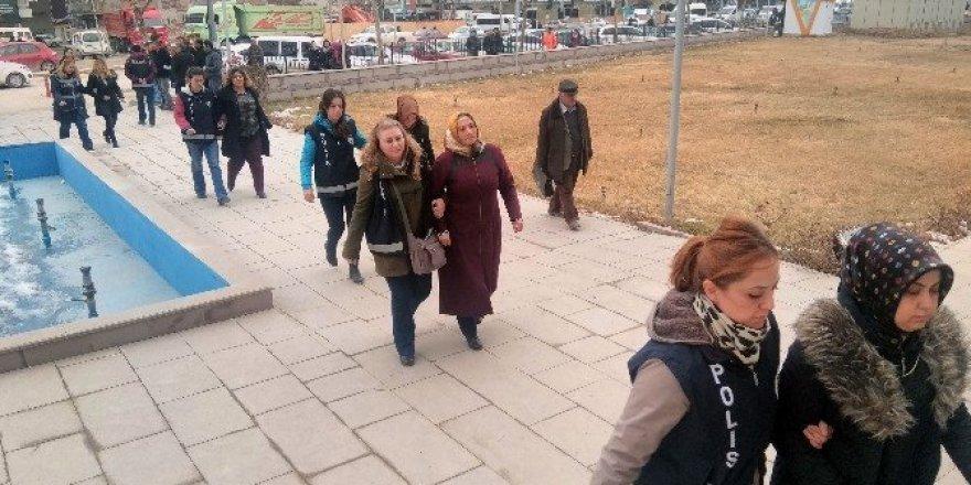 Kırşehir'de FETÖ'den 10 kişi tutuklandı