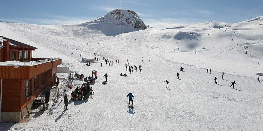 Hakkari terörün izlerini kış turizmiyle silecek