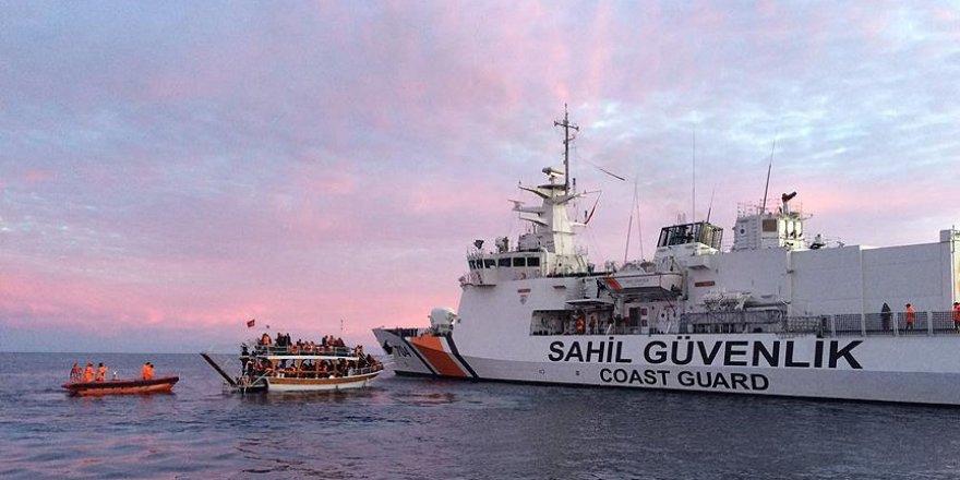 Denizde yakalanan göçmen sayısı 4 ilin nüfusunu geçti