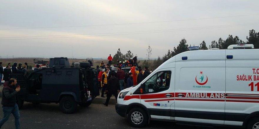 Diyarbakır'daki terör saldırısında yaralanan polis şehit oldu