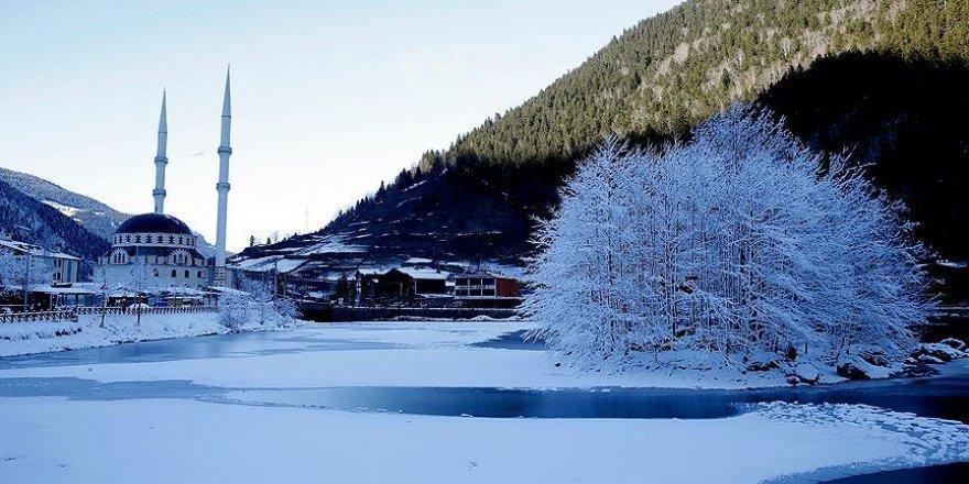 Uzungöl kışın da misafirlerini bekliyor