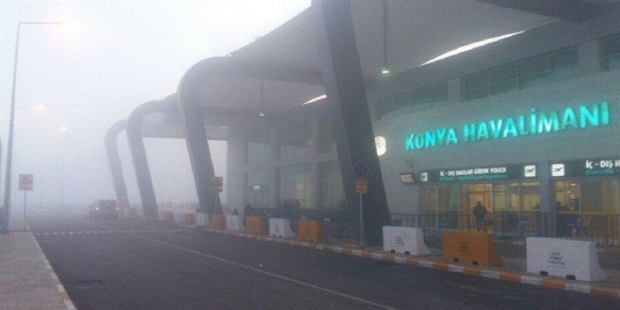 Konya Havalimanı'nda uçuşlara sis engeli