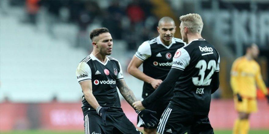 Beşiktaş, Kerim Frei ile yollarını ayırdı.