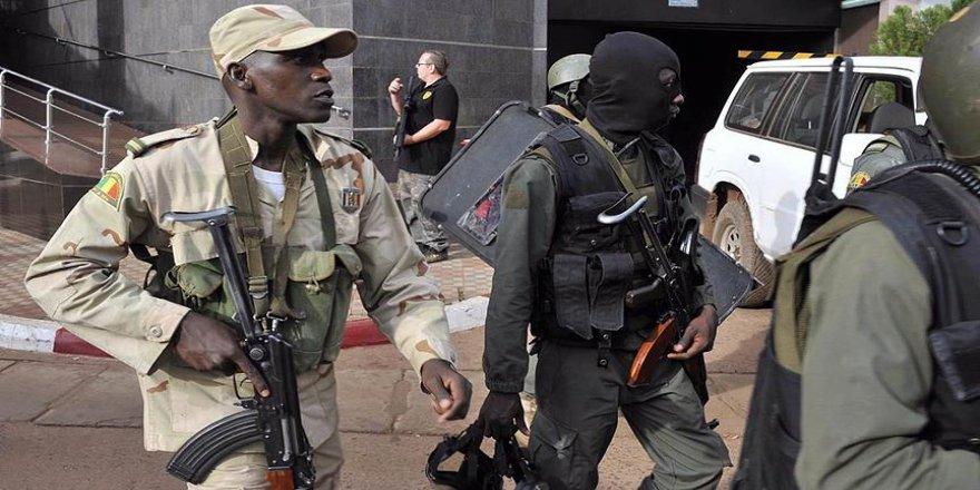 Mali'deki bomba yüklü araç saldırısında 60 kişi öldü