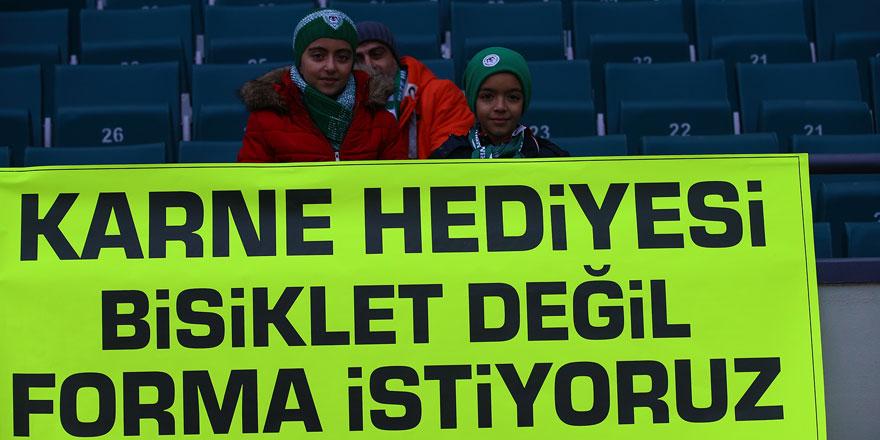 Minik taraftarlardan futbolculara mesaj