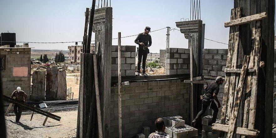 İsrail, Gazze Şeridi'ne yeniden inşaat malzemesi girişini onayladı