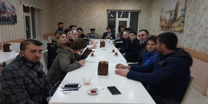 """""""Gelecek Gençlerde, Gençler Vezirköprü'de"""" projesi"""