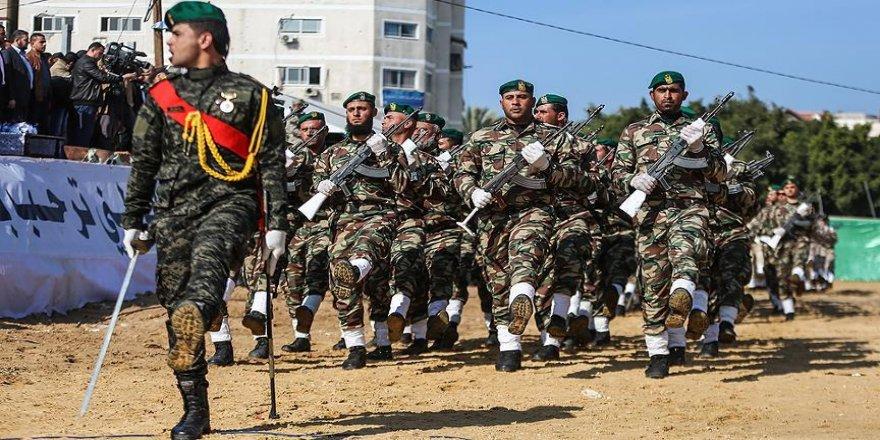 Gazzeli subayların mezuniyet töreni