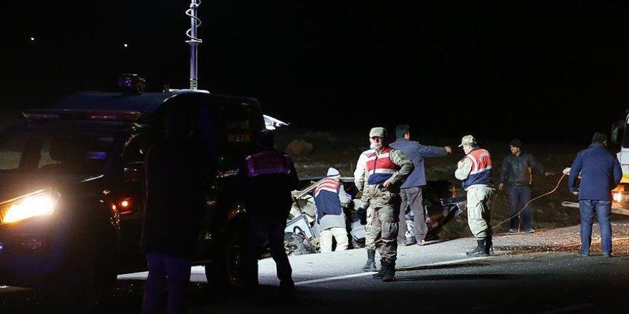 Gaziantep'te trafik kazası: 3 ölü, 7 yaralı