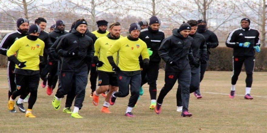 Kayserispor'da kupa mesaisi sürüyor