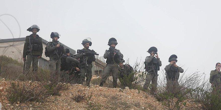 İsrail askerleri mülteci kampında Filistinlilere ateş açtı