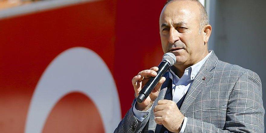 Dışişleri Bakanı Çavuşoğlu: Senin gazetecilerin ırkçı, basının yalancı