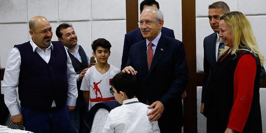 CHP Genel Başkanı Kılıçdaroğlu şehit yakınları ve gazilerle buluştu