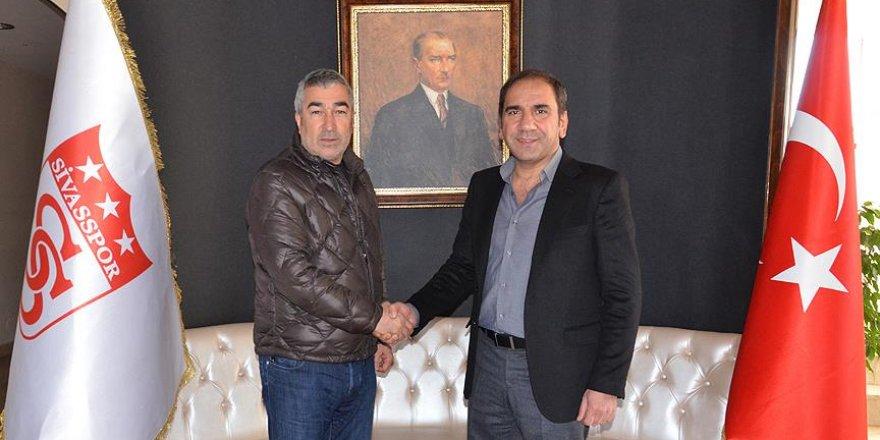 Sivasspor Samet Aybaba ile sözleşme yeniledi