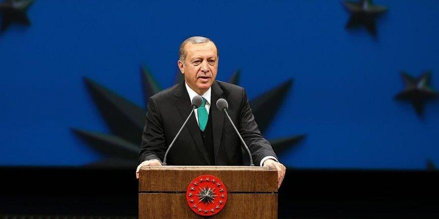 Cumhurbaşkanı Erdoğan'dan milli güreşçiye tebrik