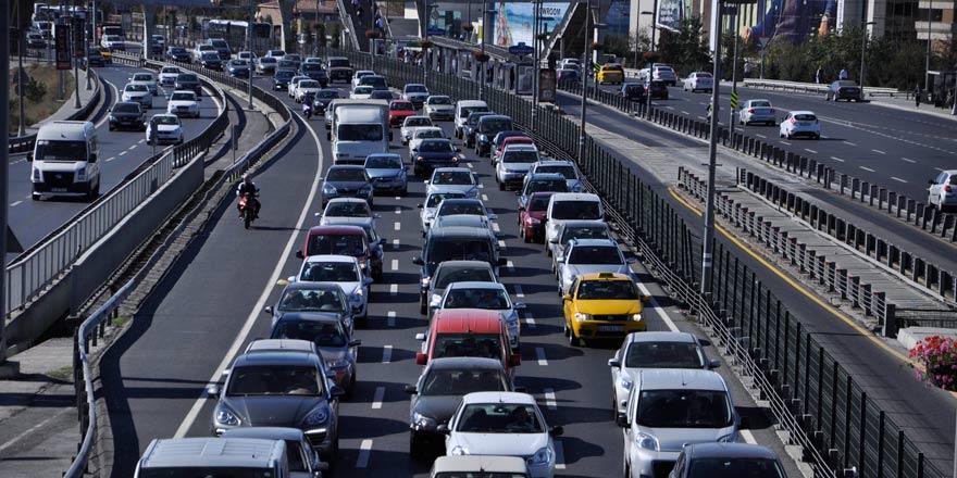 Emniyet Genel Müdürlüğü: Standart dışı plakalı araçlar muayeneden geçemeyecek