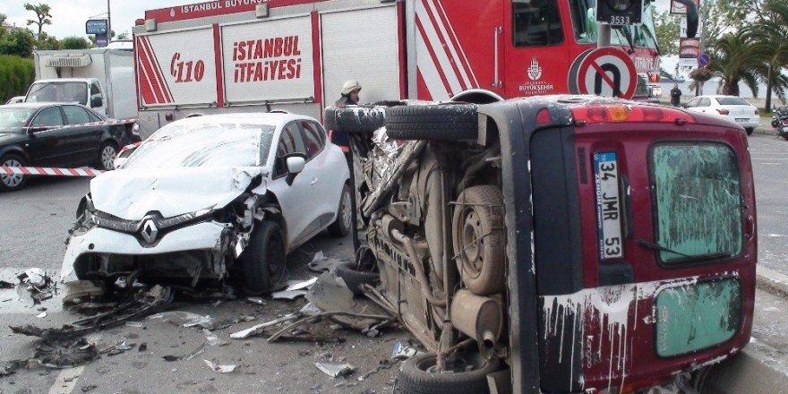 Kartal sahil yolunda kaza: 6 yaralı