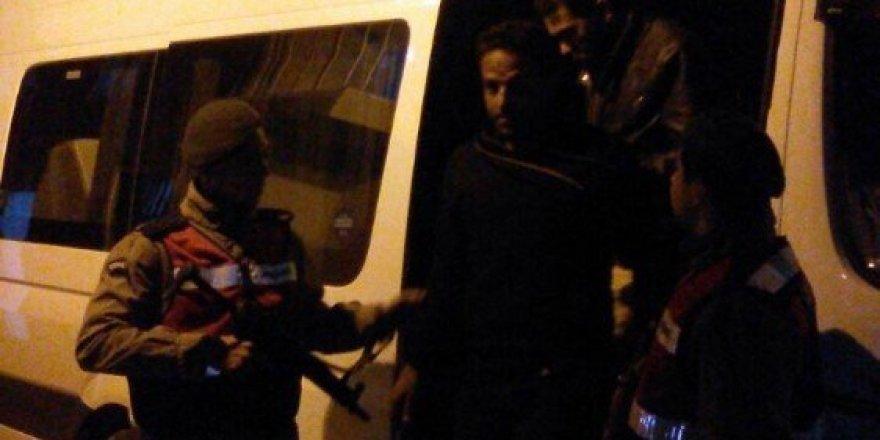 İzmir'de 42 Suriyeli mülteci kaçarken yakalandı