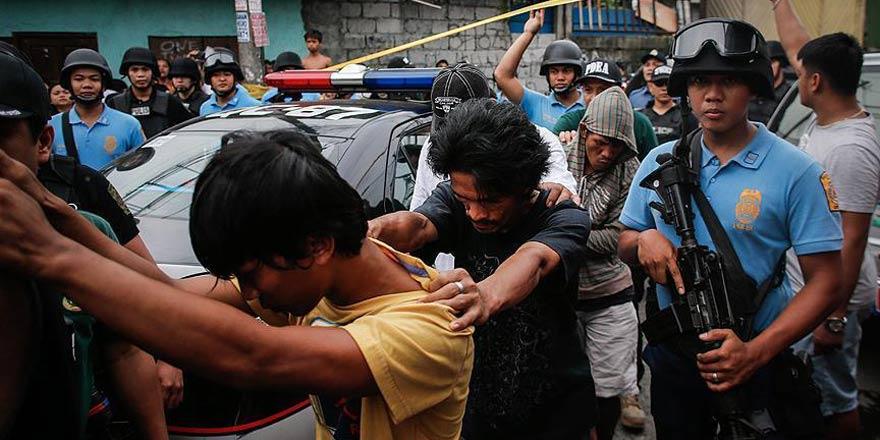 Filipinlerde 74 bin uyuşturucu şüphelisi göz altına alındı