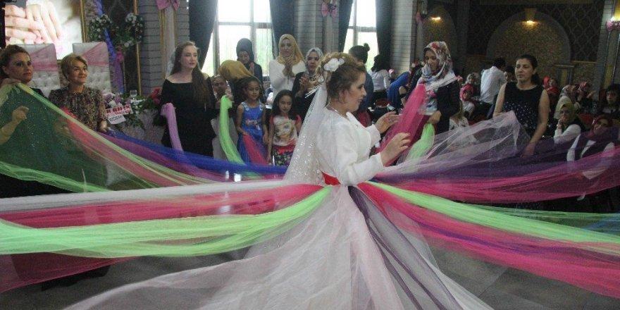 Engelli Çilem'in gelin olma hayali doğum gününde gerçekleşti