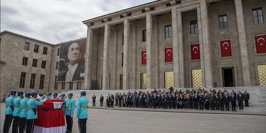 Eski Malatya Milletvekili Fırat için TBMM'de tören düzenlendi