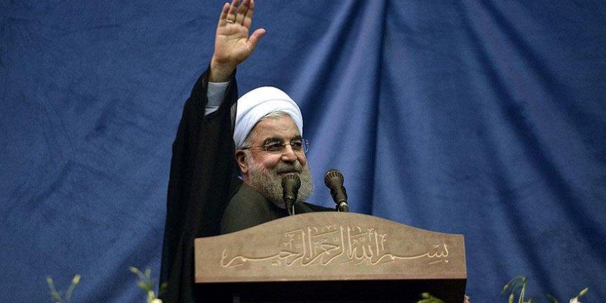 İran'da Ruhani ikinci kez Cumhurbaşkanı seçildi