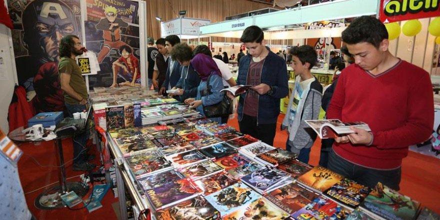 9. Kocaeli Kitap Fuarında Japon çizgi roman standına yoğun ilgi