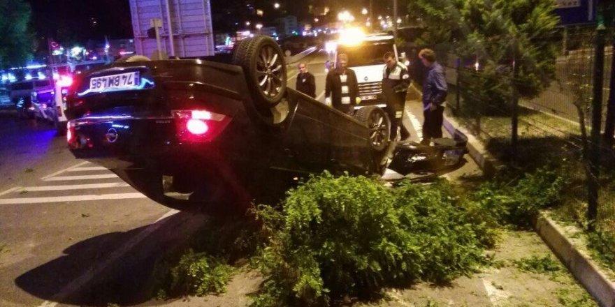 Otomobil takla attı sürücü kaçtı