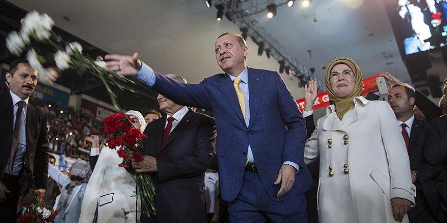 Cumhurbaşkanı Erdoğan bin 370 imza ile tek aday