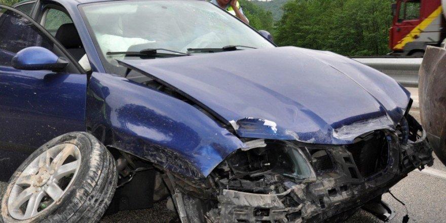 İnegöl'de kaza: 2'si çocuk 5 yaralı