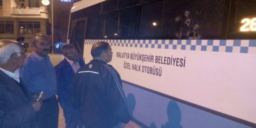 Özel halk otobüsüne ateş açıldı! Yaralılar var