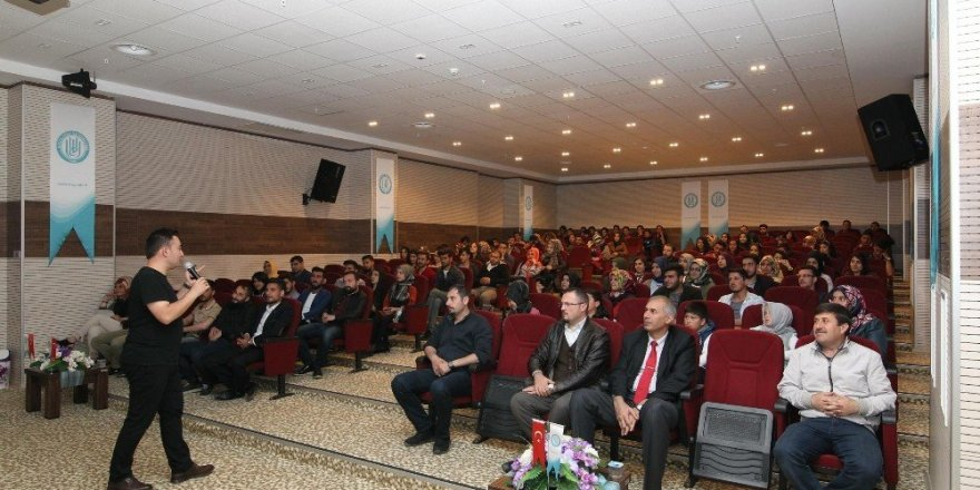 Bitlis'te 'Etkili İletişim ve Motivasyon' konferansı