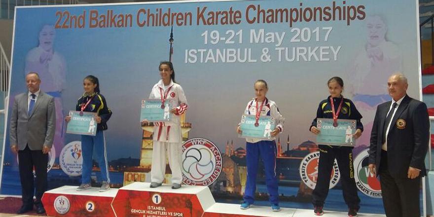Nisa Nur Apalak Balkan Şampiyonu oldu