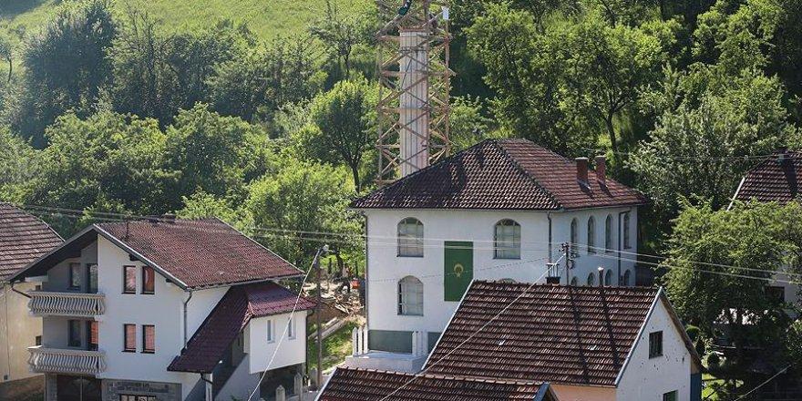 15 yıla 170 minare sığdırdı