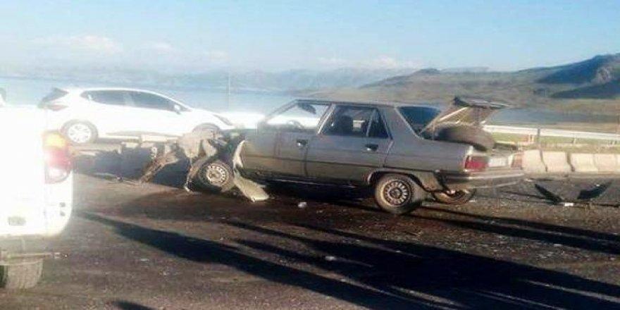 Sosyal medyada canlı yayın yaparken kaza geçirdiler