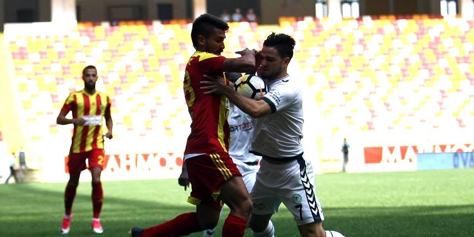 Konyaspor'da ilk değişiklik zorunlu oldu