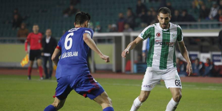 Konyaspor üçlü orta sahaya döndü