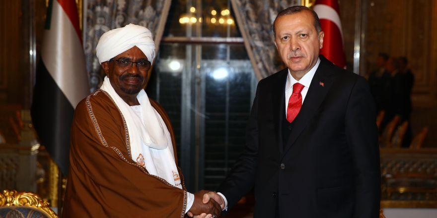 Erdoğan-El Beşir görüşmesi