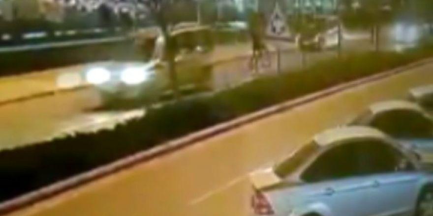 Konya'da otomobilin çarptığı genç kız ağır yaralandı! İşte kaza anı