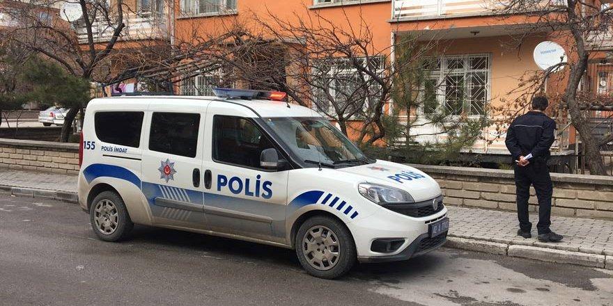 Konya'da üçüncü kattan düşen bebek ağır yaralandı