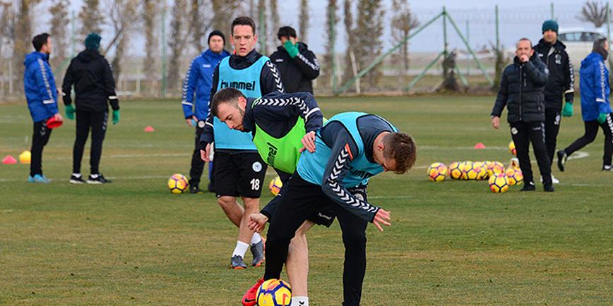 Konyaspor, Akhisar'a aktarmalı gidecek
